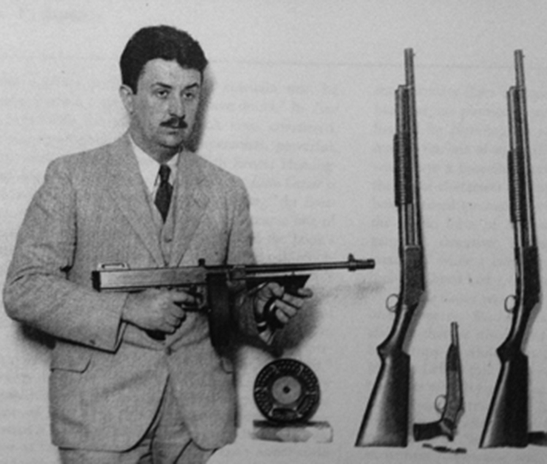 Уильям Райли Бернетт